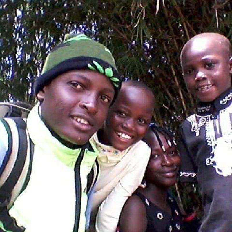 Victor y sus hermanos