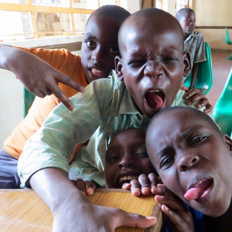 Aunque no lo parezca, os saludan desde Kwetu